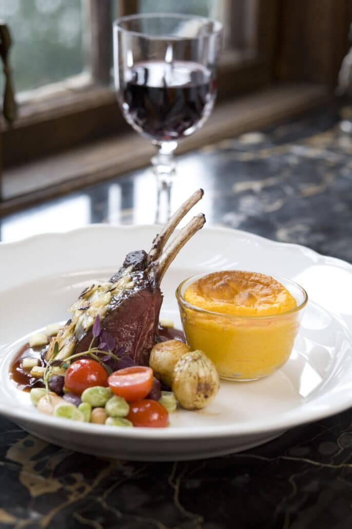 Engsholms slott vilt matsal